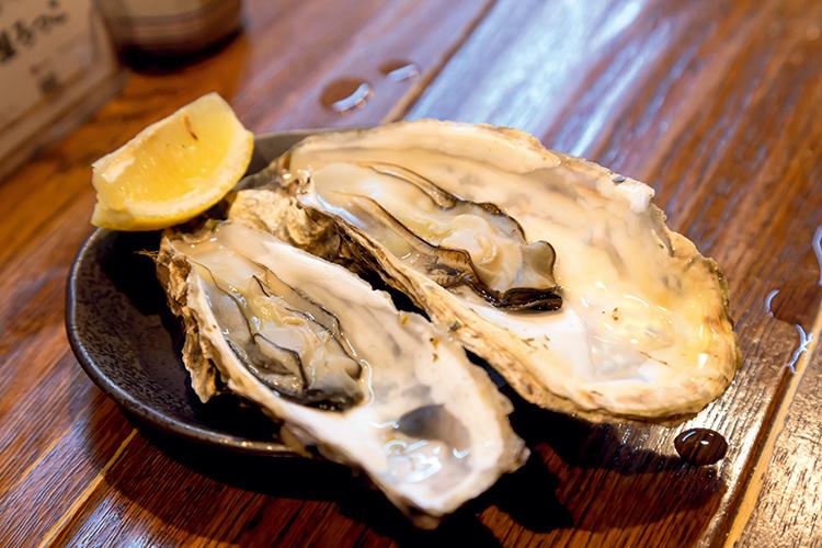 「蒸し牡蠣」や「特製しゅうまい」「串かまぼこ」もおすすめ。