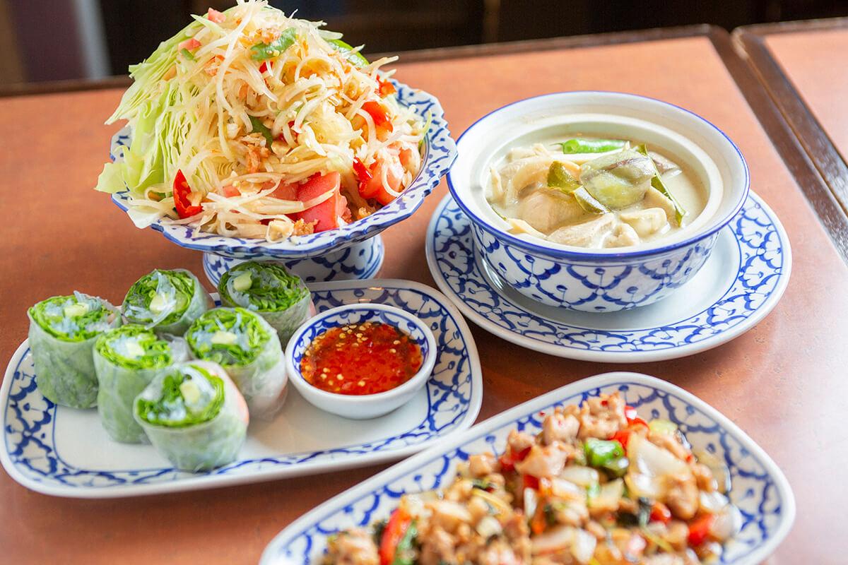 テレビでも人気の名物オーナーが手掛ける本場タイ料理