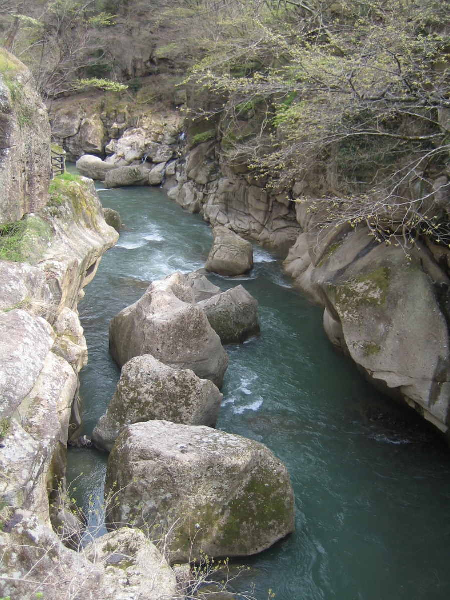 巨岩奇石が独特の峡谷美を作り出すの様子