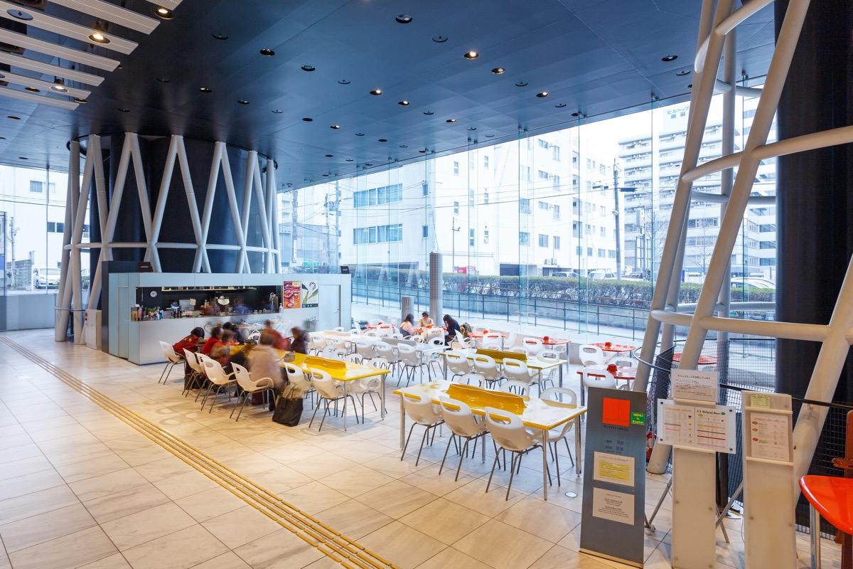 1階:カフェの様子