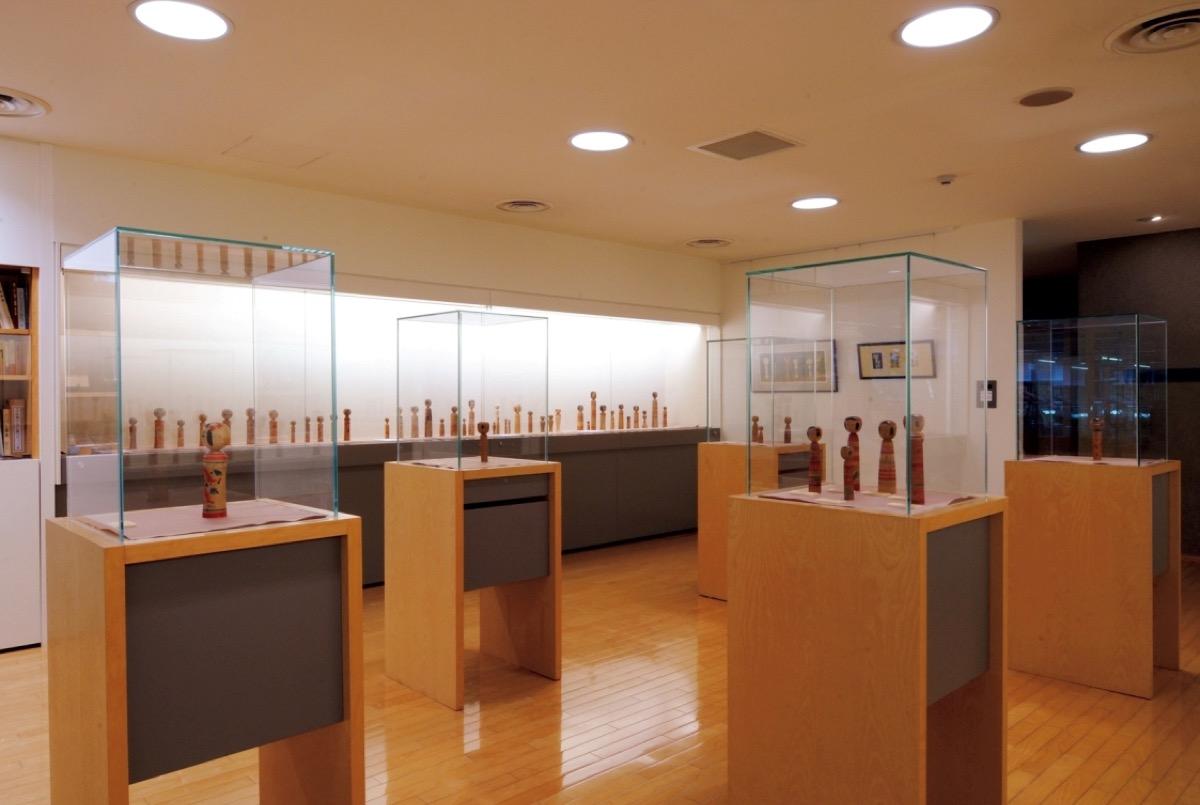 こけし展示室の様子