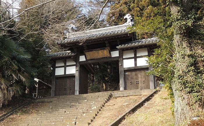 歴史的建造物:大年寺惣門