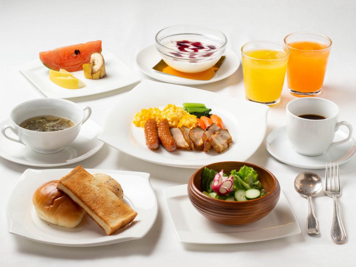 朝食 盛り付け例